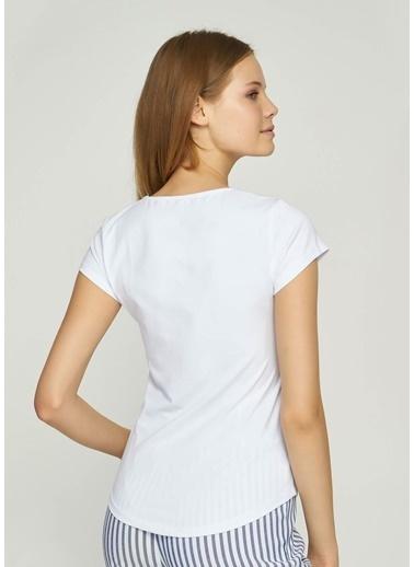 Tiffany&Tomato Önü İp Detaylı U Yaka Düşük Kol T-Shirt Beyaz